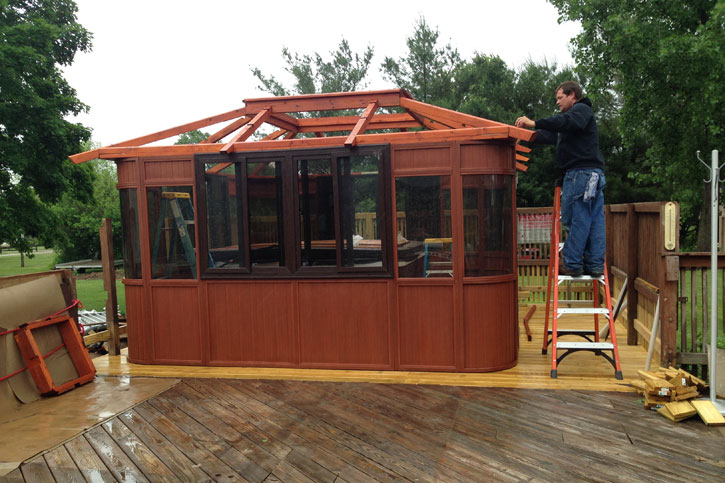 hot tub enclosure roof assembly