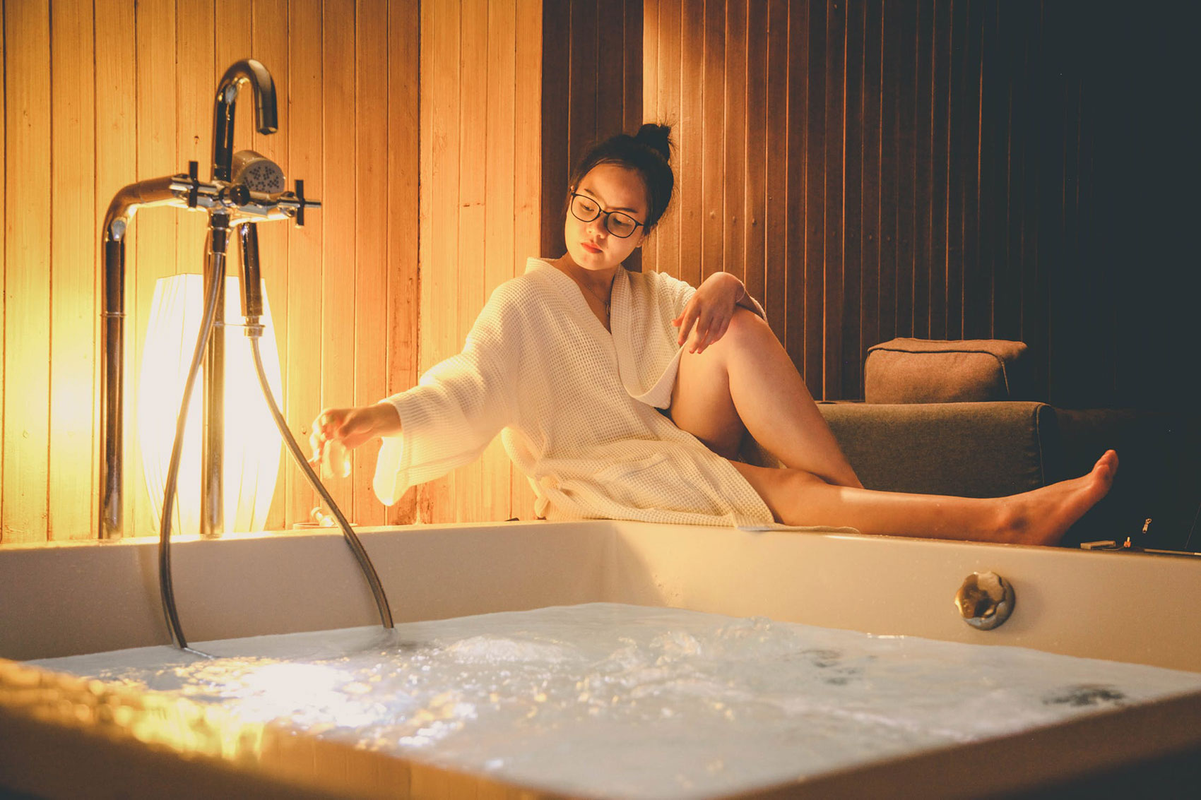 How to Save and Earn Money with Your Own Home Spa